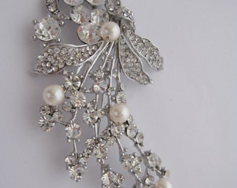 Wedding brooch pins,Bridal brooch pins,Crystal brooch,Rhinestone brooch,Wedding dress brooch,Bridal accessories,Wedding jewelry brooch,pearl