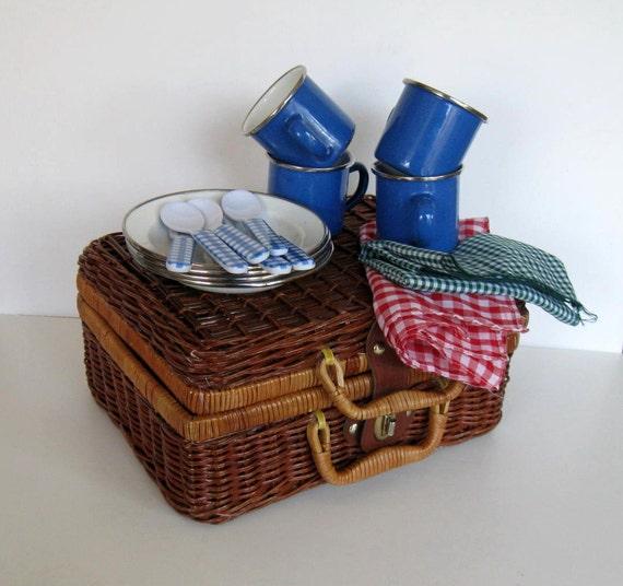 Picnic Basket Dish Set : Miniature tin enamel dishes set vintage wicker picnic basket