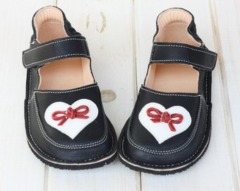 "Girl Black shoes ""Love"", US 9.5 to 13, EU 25-30, Vibram sole, support barefoot walking, shabby chic"