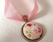 Pink fabric floral print flower rose necklace pendant ribbon jewellery jewelry vintage bridal wedding bridesmaid women gift