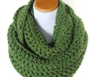 THE ORION - Oversized Infinity Scarf, Chunky, Wool-Blend, Crochet Infinity Scarf / Avocado