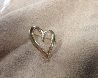 Vintage Goldtone Heart with White Gemstones Pin/Brooch