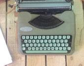 1960s hermes rocket vintage manuel typewriter FREE SHIPPING