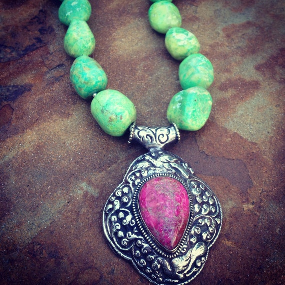Apple Green Turquoise and Hot Pink Spider Vein Jasper Statement Necklace