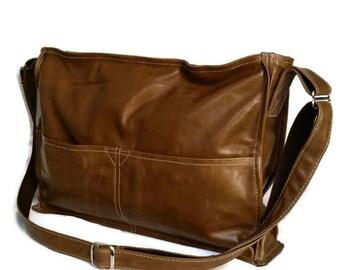 Distressed Brown Leather Purse Bag, Everyday Crossbody Handbag, Boho Chic Handbag, Carmen