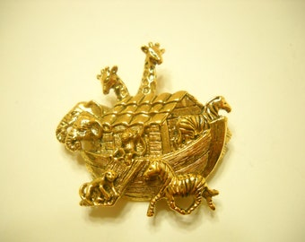 Gold Tone Noah's Ark Going Two x Two (5092)