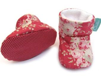 Cotton Baby Booties / Baby Girl Gift / Warm Booties / Fleece Booties / Red Booties / Floral Tilda Print / Stay On Booties / Baby Shower