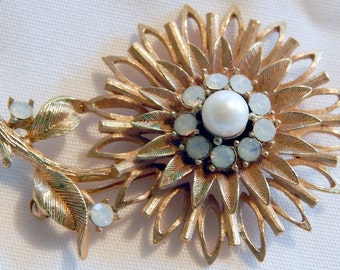 Vintage Goldtone Flower  Brooch Faux Opal Unsigned