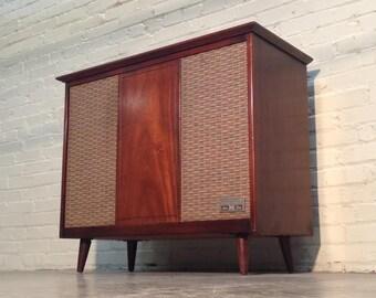 Items Similar To 1969 Magnavox Vintage Record Player
