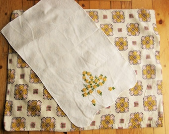 Small, 1920s Feed Sack Pillowcase With Tray Liner to Match - Country Look  - Natural Linen Kitchen Towel  - Great '60s Country Look - 10