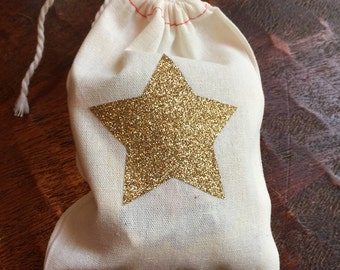 Muslin drawstring bag. Gold glitter star favor bags. Shower favors. Birthday Party loot bag. Candy bar treat bag. Thank you gift wrap.