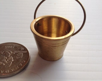 Brass Miniature Dollhouse figurine furniture collectable - water bucket