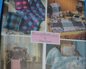 Simplicity 9117 woven Throw, Baby Quilt, PIllows, Tote, Place Mat , Tea Cozy  Sewing Pattern - UNCUT