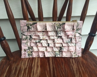 pink camouflage clutch, duct tape clutch, camouflage clutch, accessories for teens, duct tape accessories, accessories for woman