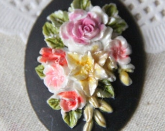 4 pcs of hand painted resin flower cabochon with hand painted color -black