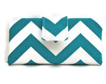 Womens Bifold Wallet in Turquoise and White Chevron