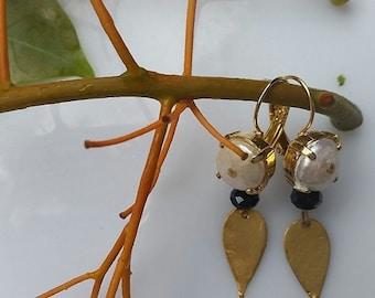Beautiful Gold and Pearl Earrings - Bridal Earrings - Pearl and Gold Earrings - Gold Leaf Earrings - Crystal Earrings - Pearl Earrings