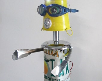 FLO~RIDA- Found object robot sculpture~assemblage