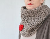 Crochet scarf cowl- valentine circle scarf - chunky cowl- crochet neckwarmer in beige with red heart woolen scarf, handmade circle scarf