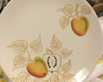 Johnson Brothers Golden Apples dinner plates in perfect condition