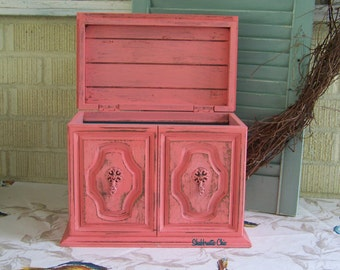 Vintage Sewing Box, Rustic Chic Wooden Box, Painted, Distressed Container, Thread Holder, Home Decor, Sewing Room