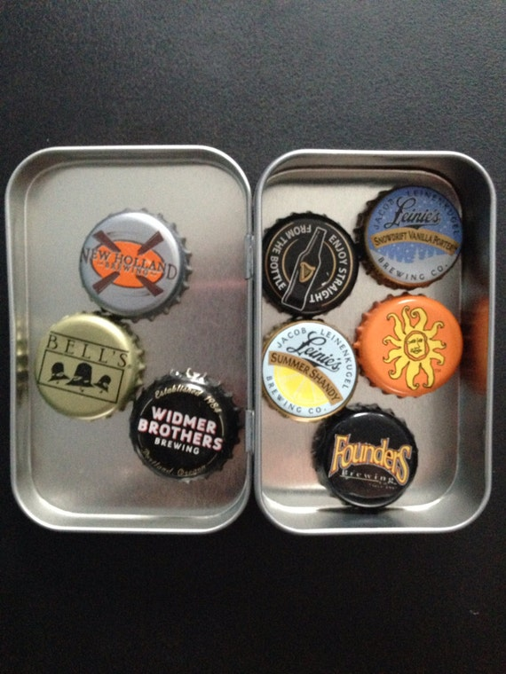 Eight craft beer bottle caps recycled kitchen by jasartprints for Can beer bottle caps be recycled