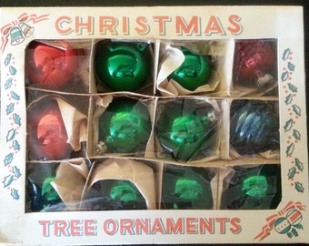Box of 12 vintage glass Christmas ornaments 1940's