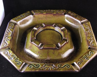 Vintage green ashtray by Maddux of California pottery 1970