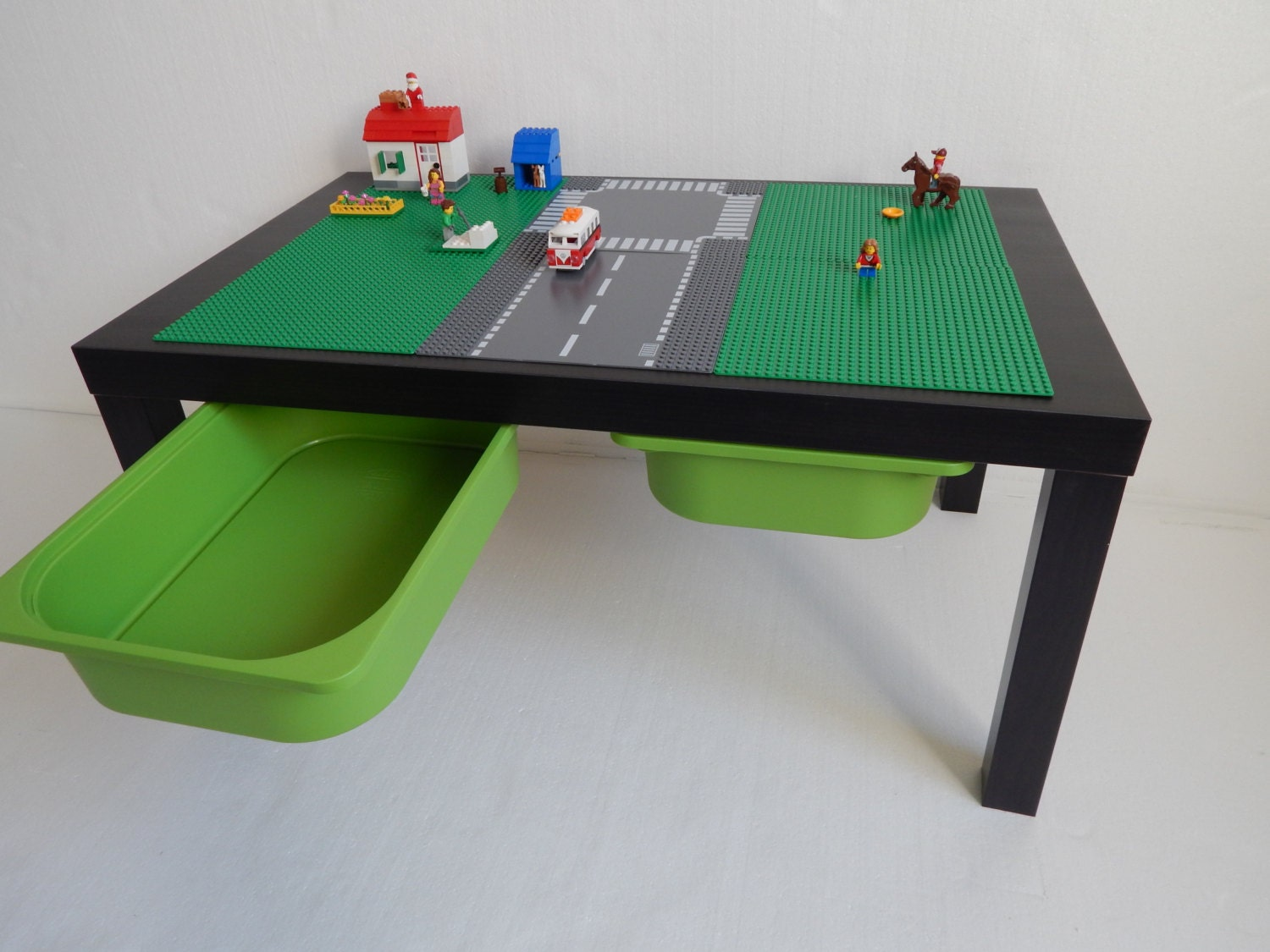 large lego storage table 30x20 green with road. Black Bedroom Furniture Sets. Home Design Ideas