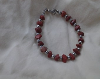 On Sale Inexpensive Natural Brown Semi Precious and Silver Toned Clasp Bracelet Costume Jewelry Fashion Accessory