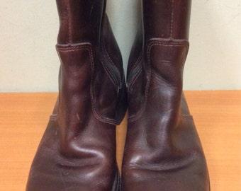 14.99 Woman's Brown Durango short Boots. Size 7 1/2 M. 1990's