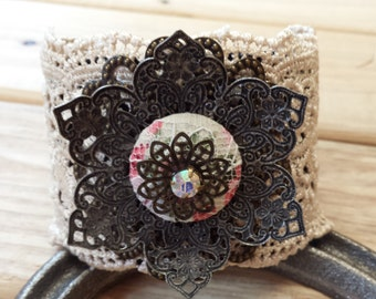 RF304 lace cuff