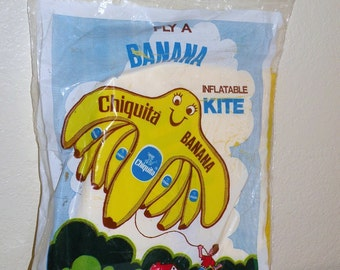 1970s Chiquita Banana KITE Never Removed from the Original Package and Original Ad