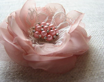 Pale pink hair flower Pink hair clip Pink hair flower Bridal pink 3 inch hair flower Bridal hair accessory Blush hair clip Blush ivory gift