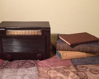 Vintage 1941 General Electric AM Radio Model J501