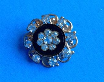 Beautiful Vintage Diamond flower Brooch