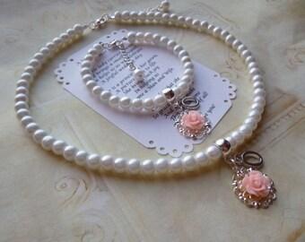 Pearl Personalized Necklace/Bracelet Set, Personalized Pearl Flower Girl Necklace, Flower Girl Gifts, Flower Girl Jewelry, Personalized Gift