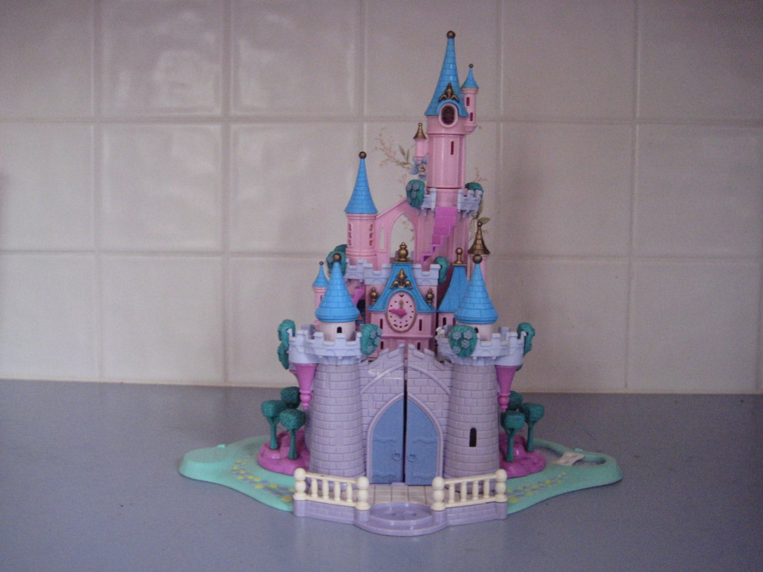 1995 Light Up Cinderella Castle Polly Pocket By Bluebird With