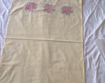 Vintage 1950 Embroidered Pillow Cases