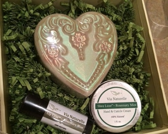 Mothers Day Gift Set, Teacher Gift, Thank You Gift, Co-Worker Gift Set in Lavender or Rosemary Mint, Mini Spa Set, Soap Gift 4 pc Set