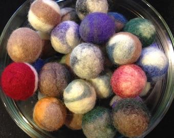 Set of Two 2 Organic Wool Catnip Balls // Cat Toy // Organic Catnip Toy // Pet Lover's Gift Under 10