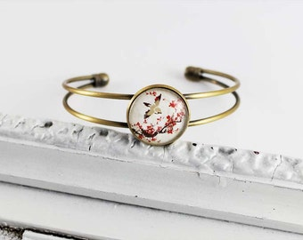 Bangle bracelet with cherry blossoms, bird tree Japant, nostalgic shabby version in bronze with glass stone, red Hipster