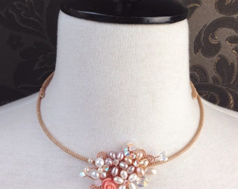 Collar Necklace/Pearl collar necklace/Flower necklace/Statement necklace/Glamorouse jewelry/crystal and pearl necklace/Wedding Jewelry