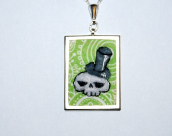 Sweet pendant! Skull with hat