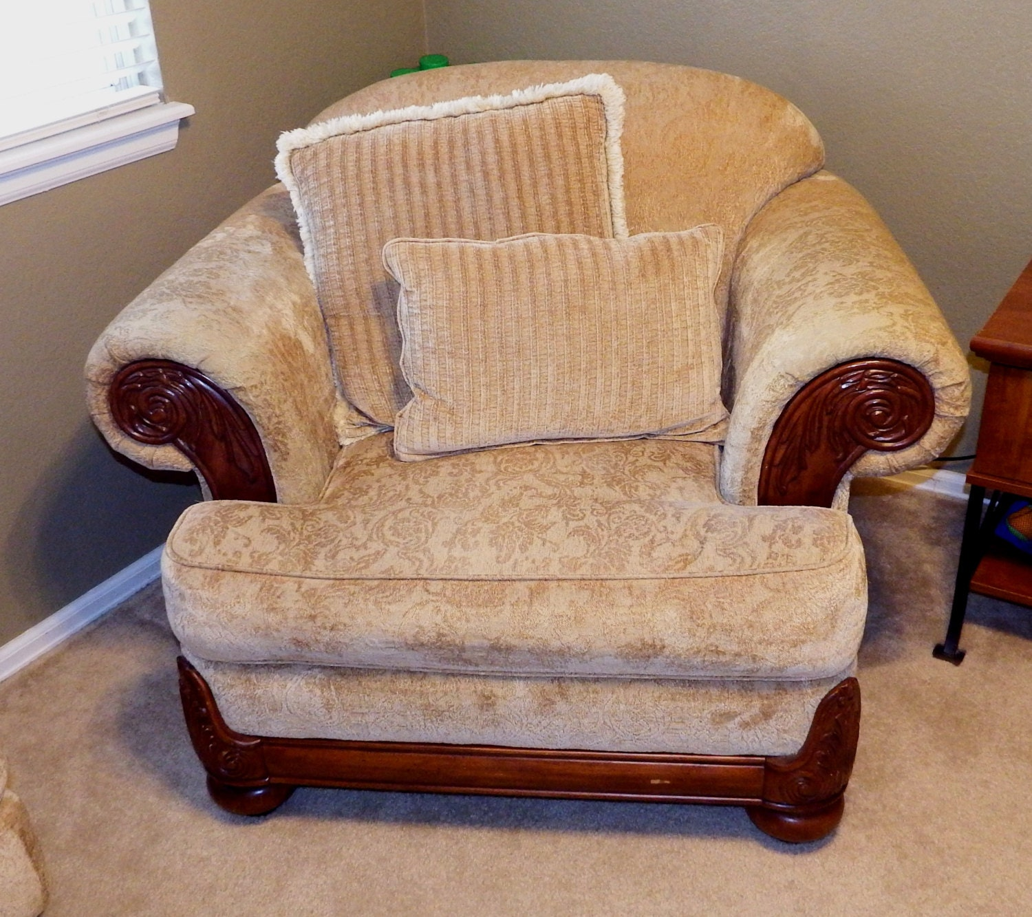 Overstuffed armchair 28 images 17 best images about for Overstuffed armchair