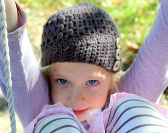 Crocheted Side Buttoned Modern Cloche Beanie