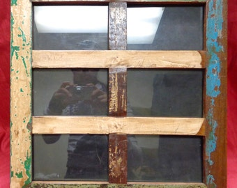 "6-Opening Antique/ Old/ Reclaimed Wood Picture Frame for 4""x6"" Photo (Frame Size: 16"" x 16"")"