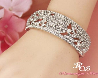 Crystal bridal bracelet Wedding bracelet Crystal bridal cuff  Rhinestone bangle Vintage style Bridal jewelry Wedding accessories -  B0138