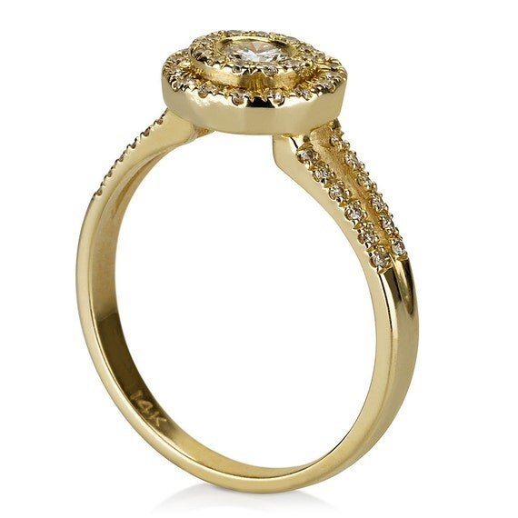 Antique Engagement ring 14k Yellow gold Ring diamond