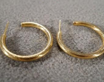 Vintage Art Deco Style Yellow Gold Tone Hoop Round Pierced Earrings Jewelry         K